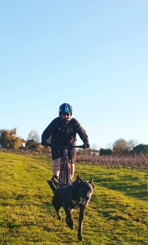 cani velo, eduka'chien, aurelie frérou, loisirs, sport canin, education canine, comportement